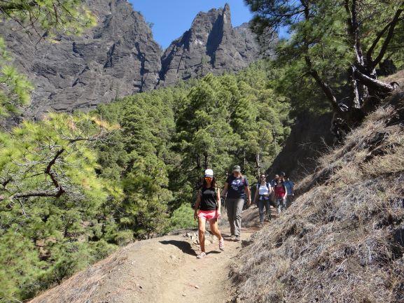 ruta de senderismo en la caldera de taburiente