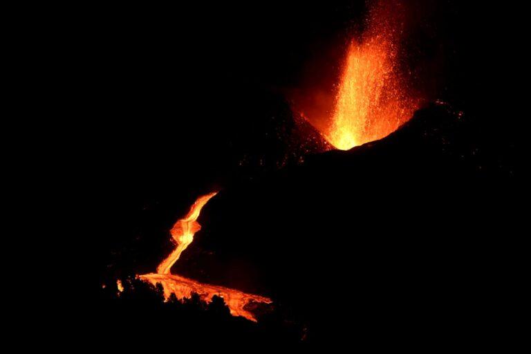 view crater la palma eruption
